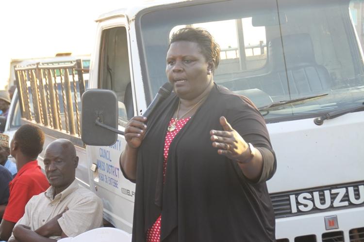 RDC Kirabira addressing a security meeting in Abaita Ababiri.