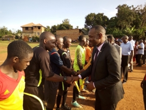 chief-guest-hon-sulaiman-ssejjengo-greets-the-match-officials