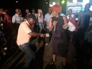 Singer Sheeba karungi's performances excited Golfers.