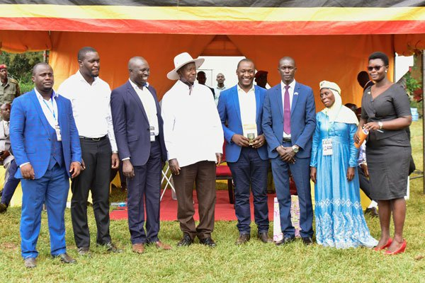 Mr Museveni with the youth leaders, on the extreme right is Lillian Aber, the Chairperson Uganda National Youth Council. PPU Photo