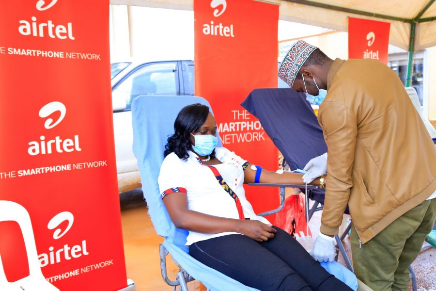 Airtel Uganda, the Customer Service Director Miss Lyndah Nabayinda donating blood at one of the centres
