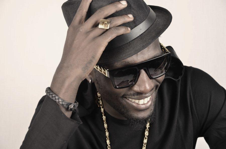 Ugandan Musician Van Data has offered Uganda's Presidential candidate 2021 John Katumba 2 million shillings as he marks 33rd birthday to aid his campaigns