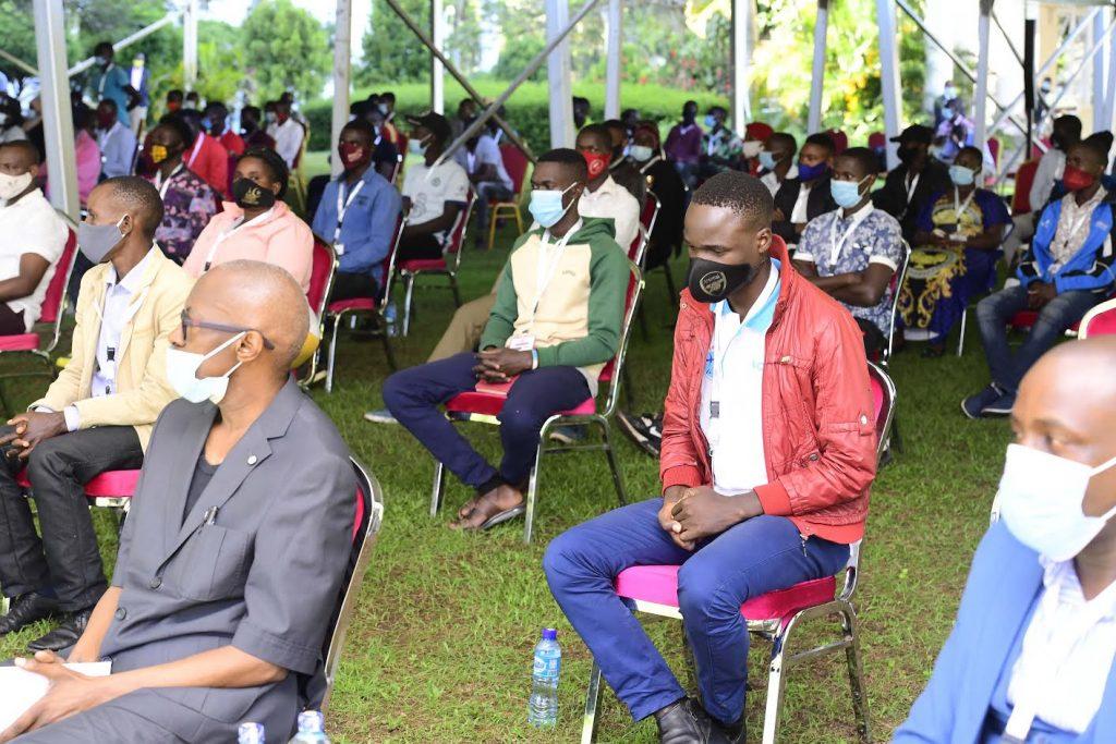Museveni meets NUP coordinators; Bobi Wine laughs it off